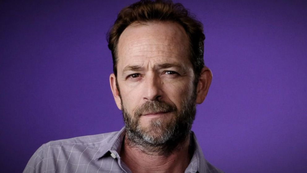 32449c458 90210' and 'Riverdale' star Luke Perry dies at 52 Video - ABC News