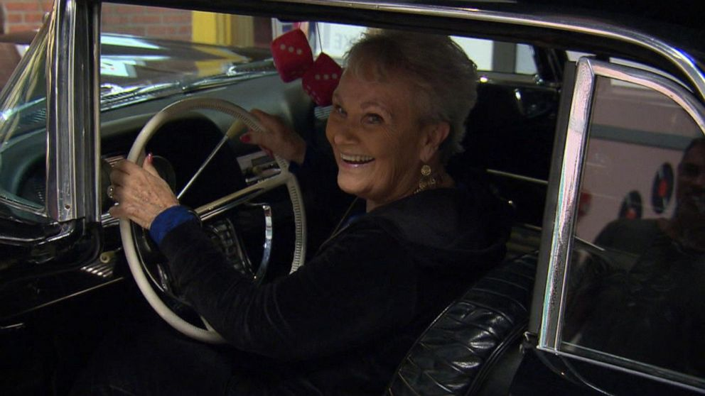 Immersive center for those with early dementia transports them to 1950s