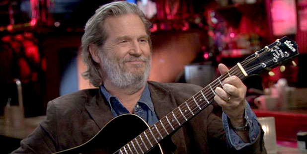 PHOTO Actor Jeff Bridges sits down for an interview on ABCs Nightline with host Bill Weir.