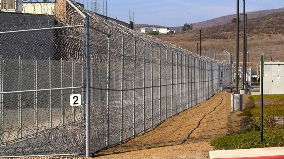 Lawmaker calls for investigation after deaths of migrants who fell ill in detention centers thumbnail