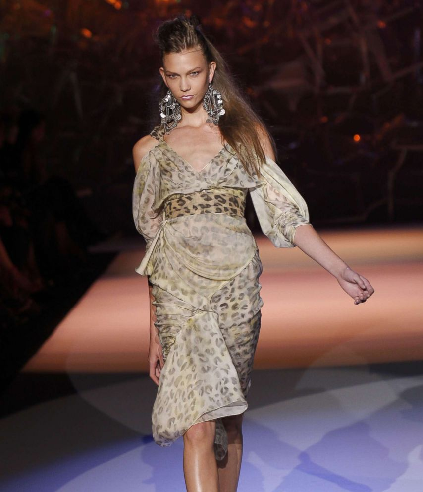 PHOTO: Karlie Kloss walks the runway for Zac Posen Spring 2009 at The Tent in Bryant Park on Sept. 11, 2008 in New York.