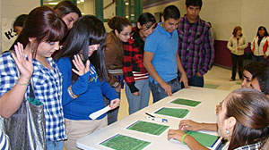 Photo: Texas teens pledge to drive responsibly