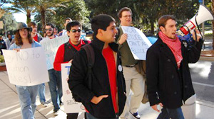 PHOTO Students at the University of Florida protest the school?s block tuition proposal