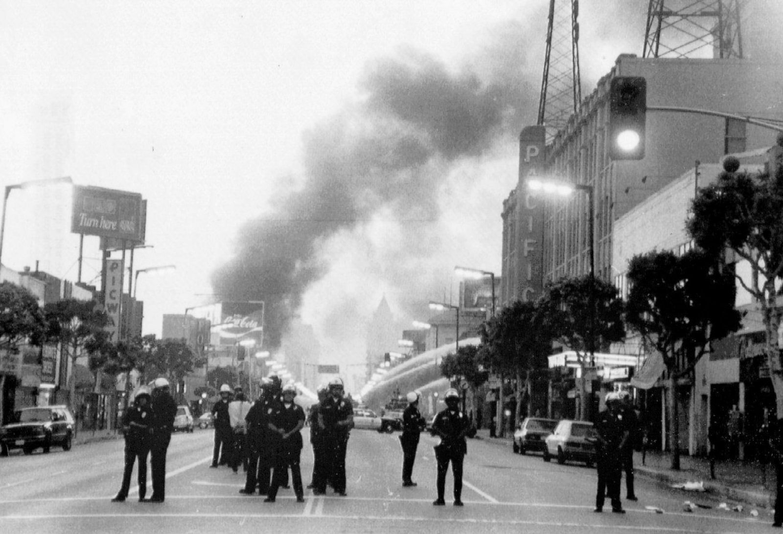 the los angeles riots essay The zoot suit riots essay in the early 1940's, the city of los angeles was segregated heavily based on race it was.