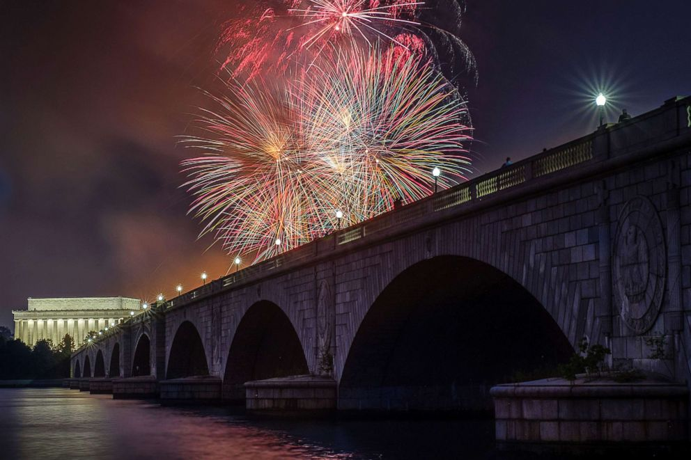PHOTO: Fireworks burst over the Memorial Bridge and Lincoln Memorial during Independence Day celebrations on the National Mall in Washington, July 4, 2017.