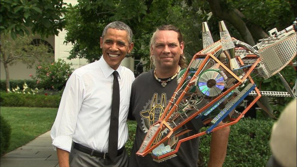 VIDEO: President Obama Hangs Out With Robotic Giraffe At White House