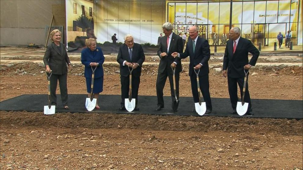 Five former Secretaries of State join John Kerry for groundbreaking of new US Diplomacy Center.