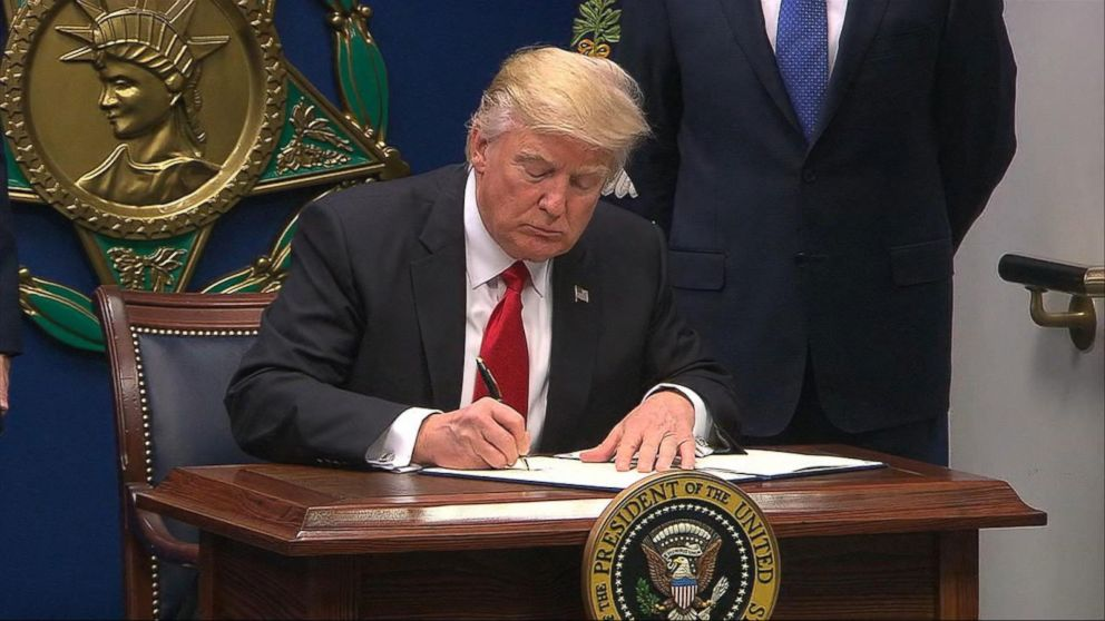 A timeline of Trump's immigration executive order and legal ...