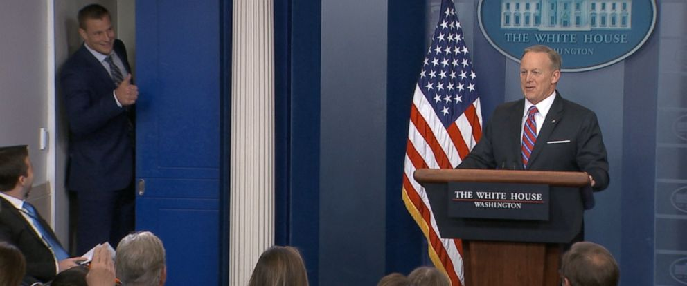 Rob Gronkowskis big personality was on full display today during White House press secretary Sean Spicers briefing.