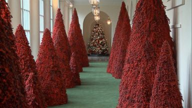 White House Christmas Decorations 2020 First lady Melania Trump unveils 2018 White House Christmas