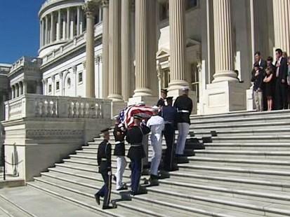 Video: Senator Byrd lies in repose in Senate.