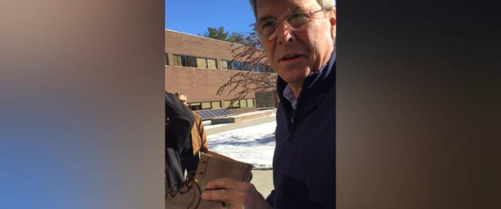 PHOTO: Republican presidential Jeb Bush purchased a new pair of Timberland boots after his campaign event in New Hampshire Jan. 22, 2016.