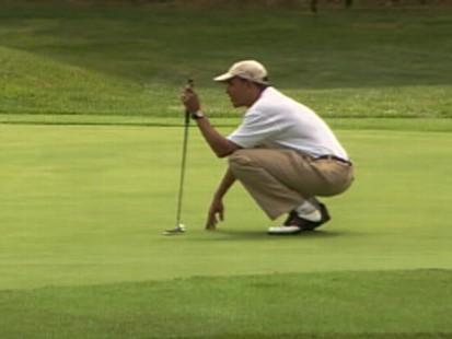 Video of President Obama golfing on vacation in Marthas Vineyard.