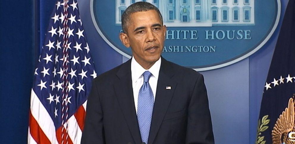 PHOTO: President Obama speaks at the White House in Washington on the eve of the government shutdown deadline, Sept. 30, 2013.