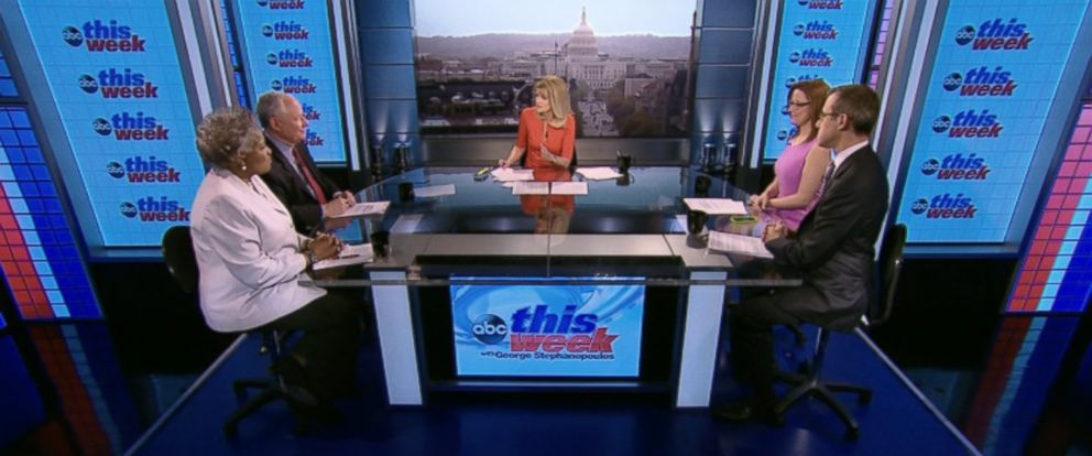 """PHOTO: Democratic Strategist and ABC News Contributor Donna Brazile, CNNs """"Crossfire"""" Co-Host S.E. Cupp, The Weekly Standard Editor Bill Kristol and ABC News Senior Washington Correspondent Jeff Zeleny on This Week"""