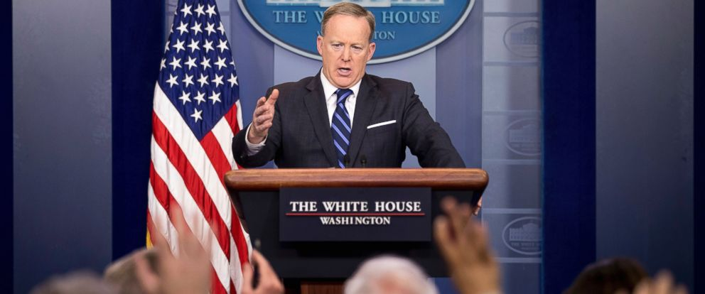 PHOTO: White House press secretary Sean Spicer talks to the media during the daily press briefing at the White House in Washington, April 10, 2017.
