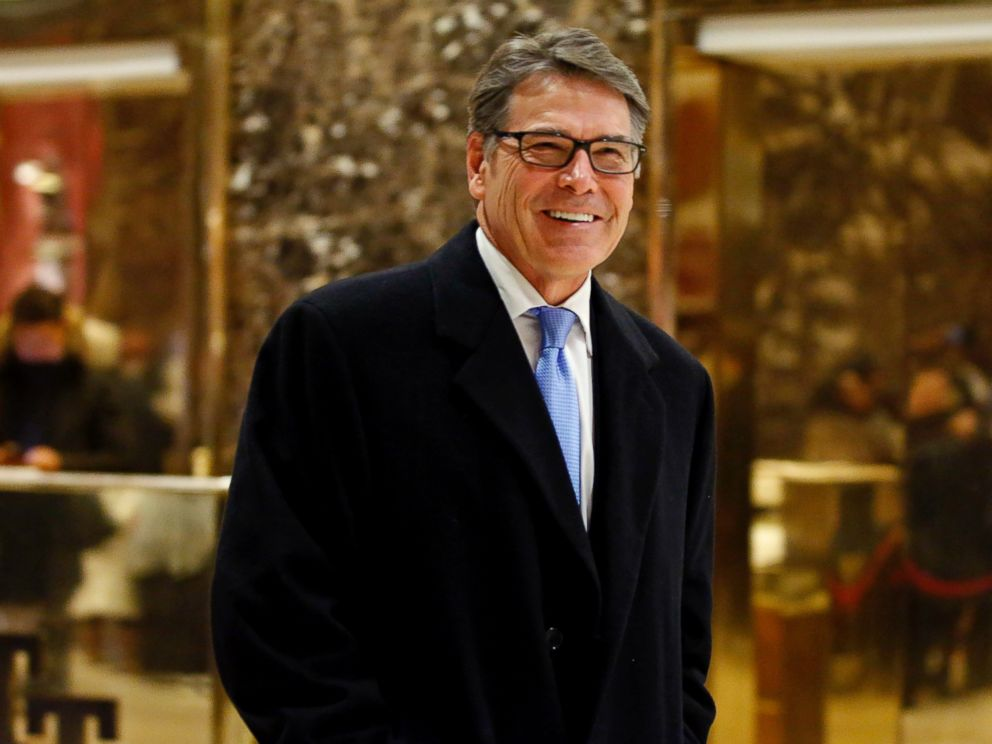PHOTO: Rick Perry smiles as he leaves Trump Tower, Dec. 12, 2016, in New York.