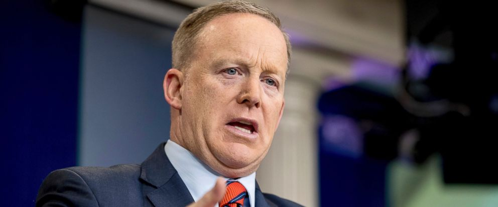 PHOTO: White House press secretary Sean Spicer talks to the media during the daily press briefing at the White House in Washington, April 11, 2017.