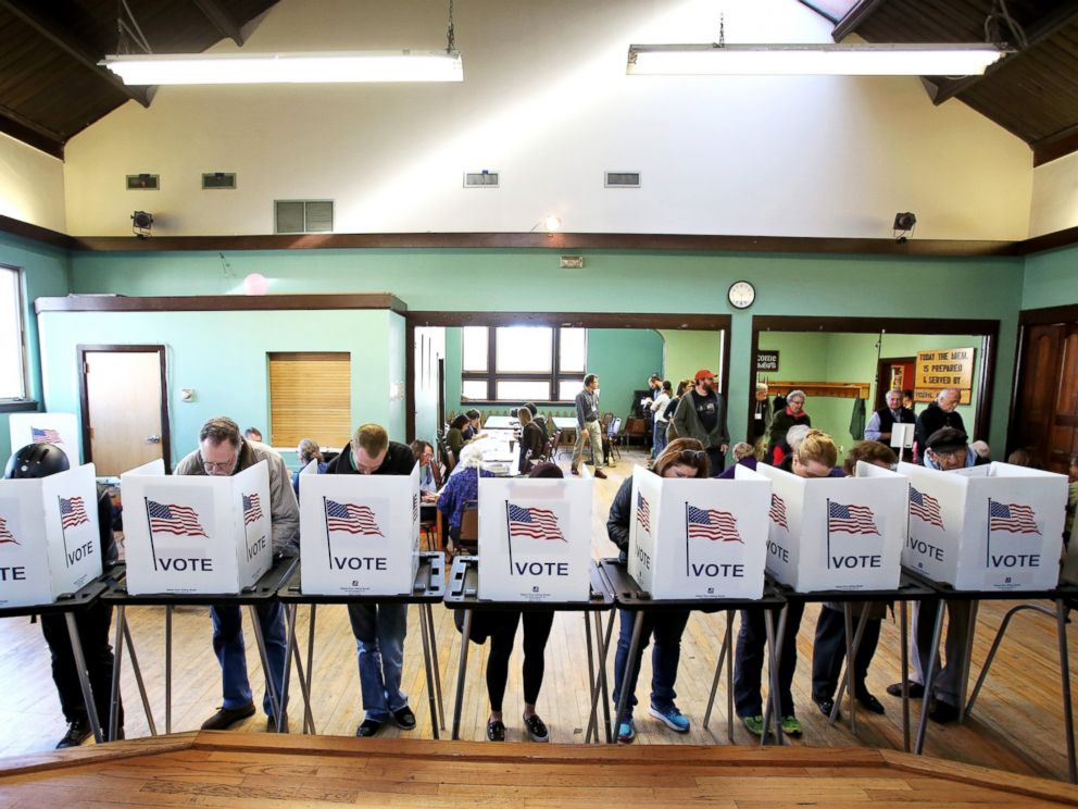 PHOTO: Voters cast their ballots at the Wil-Mar Neighborhood Center on the Near East Side of Madison, Wis., Nov. 8, 2016.