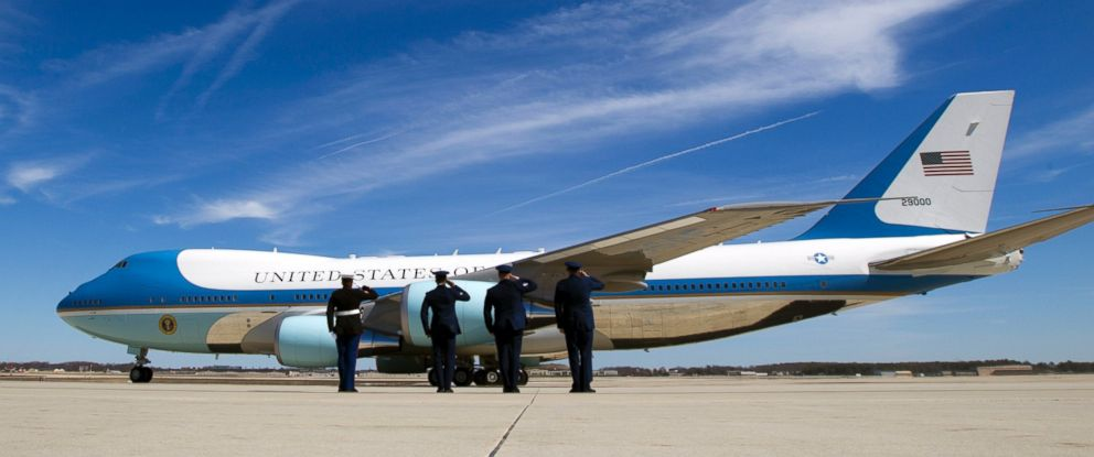 Air Force One 10 Perks Of Flying Like The President Abc News