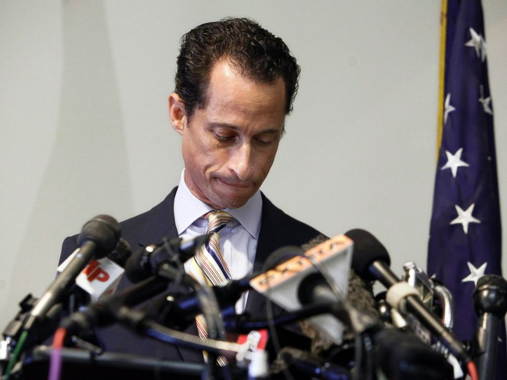 PHOTO: U.S. Rep. Anthony Weiner announces his resignation from Congress, in the Brooklyn borough of New York, June 16, 2011.