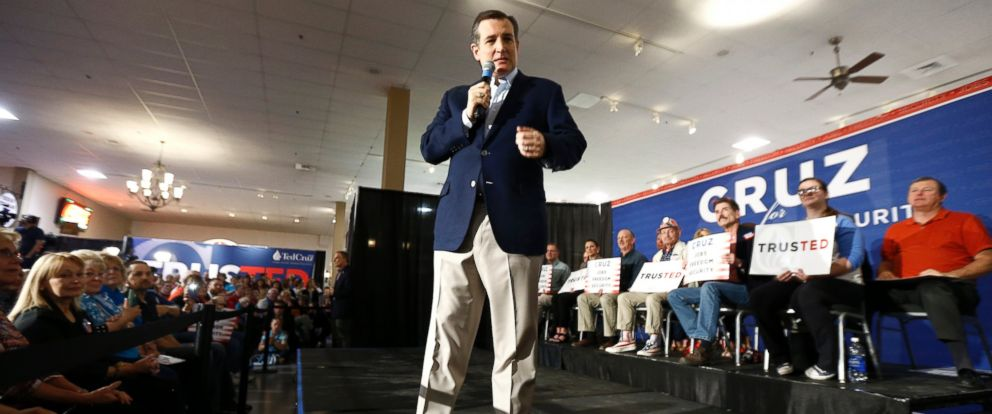 PHOTO: Republican presidential candidate Sen. Ted Cruz, R-Texas speaks during a rally, April 20, 2016, at the Antique Automobile Club of America Museum in Hershey, Pa.