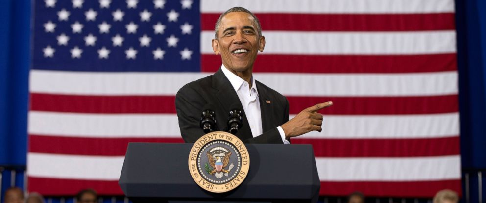 PHOTO: President Barack Obama speaks during a town hall at McKinley Senior High School on Jan. 14, 2016 in Baton Rouge, La.
