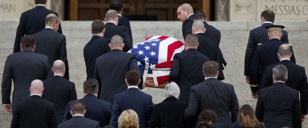 PHOTO: The casket containing the late Supreme Court Associate Justice Antonin Scalia, arrives for a funeral mass at the Basilica of the National Shrine of the Immaculate Conception in Washington, Feb. 20, 2016.