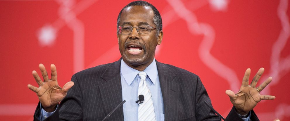 PHOTO: Dr. Ben Carson speaks to address the crowd at CPAC in National Harbor, Md., Feb. 26, 2015.