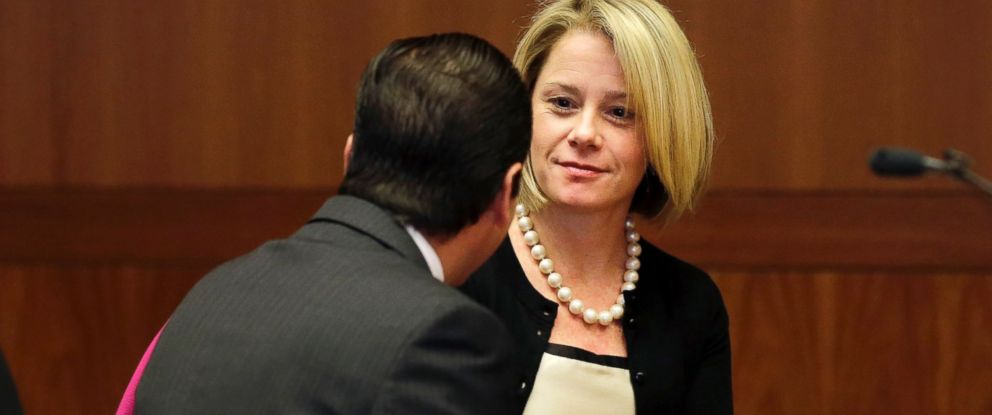 PHOTO: New Jersey Gov. Chris Christies former Deputy Chief of Staff Bridget Anne Kelly waits in court for a hearing, March 11, 2014, in Trenton, N.J.