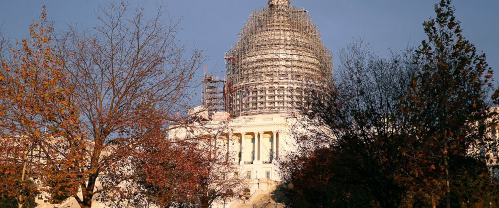 PHOTO: The U.S. Capitol dome is seen under repair on Capitol Hill, Nov. 22, 2015 in Washington.