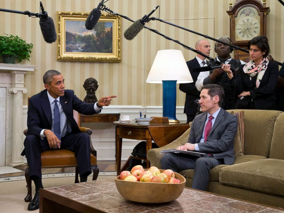 PHOTO: President Barack Obama points toward Dr. Thomas Frieden, Director of the Centers for Disease Control and Prevention, as he speaks to the media about the governments Ebola response, Oct. 16, 2014, in Washington.