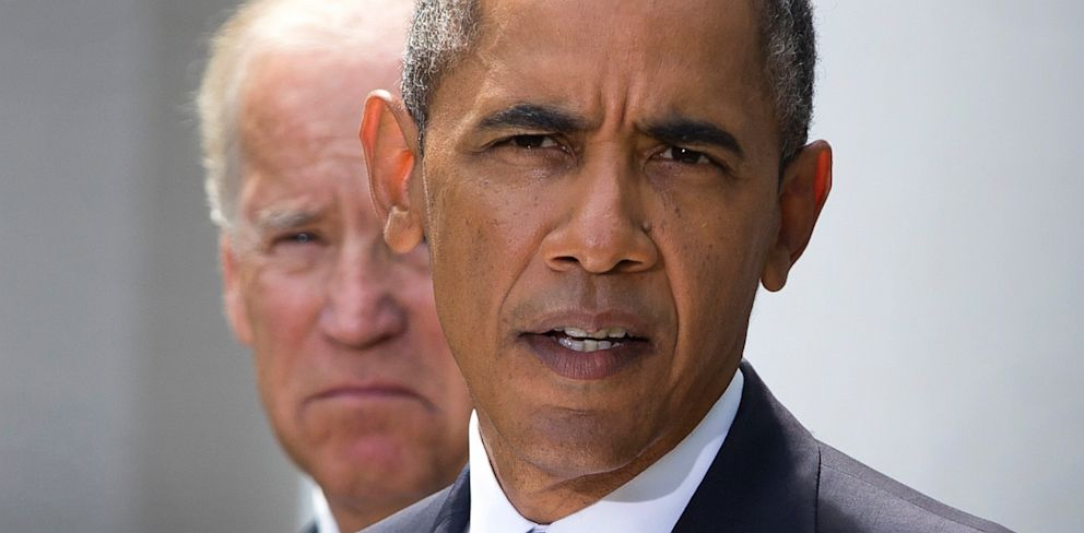 PHOTO: President Barack Obama, flanked by Vice President Joe Biden, talks about the crisis in Syria to media gathered in the Rose Garden of the White House Saturday, Aug. 31, 2013, in Washington.