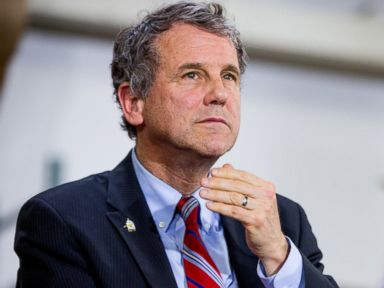 PHOTO: Sen. Sherrod Brown speaks at a campaign rally for Democratic presidential candidate Hillary Clinton, June 13, 2016 in Cleveland.