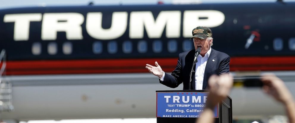 PHOTO: Donald Trump speaks at a campaign rally at the Redding Municipal Airport, June 3, 2016, in Redding, Calif.