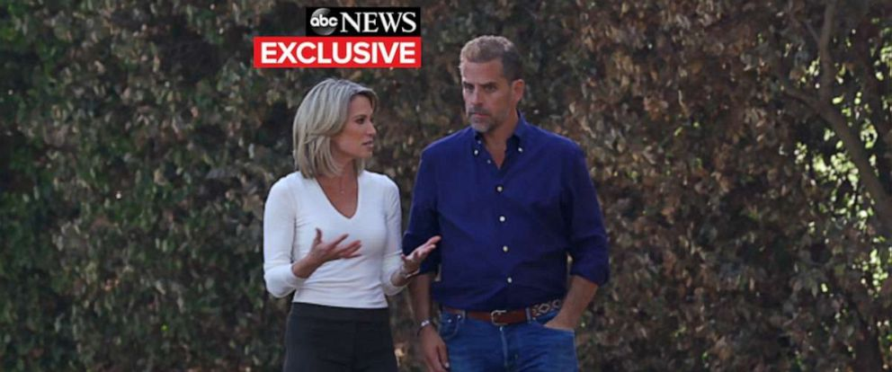 PHOTO: ABC�s Amy Robach talks with Hunter Biden.