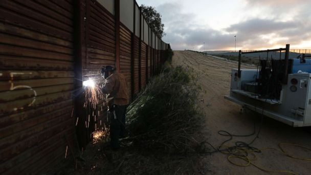 https://s.abcnews.com/images/Politics/Border-Wall-ap-er-170901_16x9_608.jpg