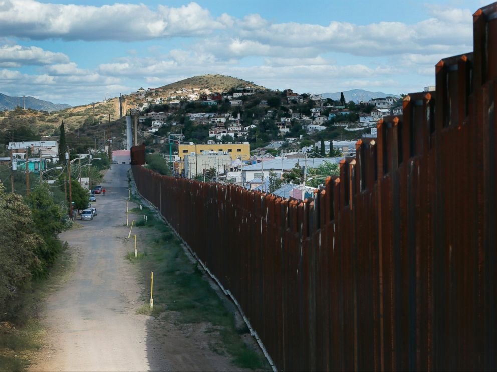 PHOTO: The USA Mexico border as seen from Nogales, Ariz., Sept. 27. 2013.