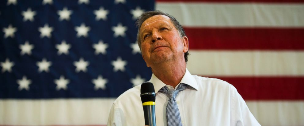 PHOTO: Ohio Gov. John Kasich speaks at a town hall in Rockville, Maryland, April 25, 2016.