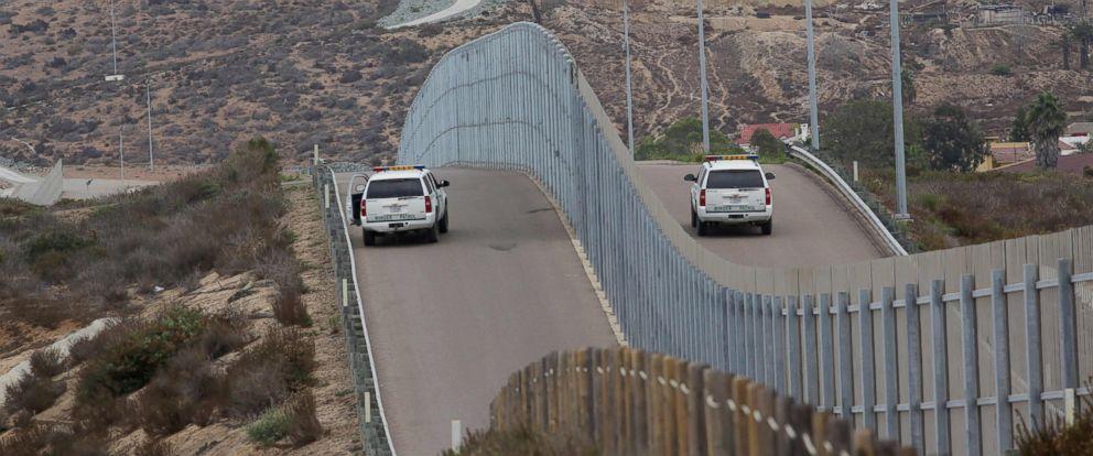 PHOTO: Border Patrol agents patroling the United States-Mexico Border wall during Opening the Door Of Hope/Abriendo La Puerta De La Esparana, at Friendship Park in San Ysidro, Calif., on Nov. 19, 2016.