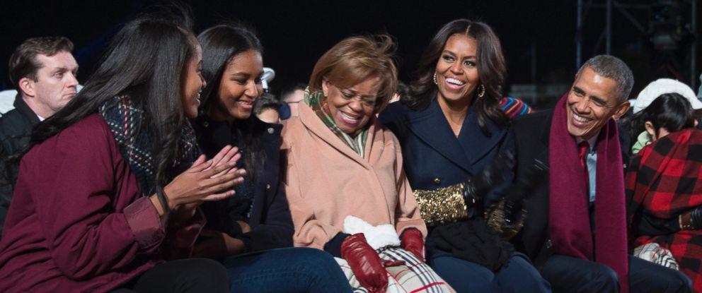 PHOTO: President Barack Obama, First Lady Michelle Obama, Malia Obama and Sasha Obama, and Marian Robinson, Michelle Obamas mother, during the lighting of the National Christmas Tree in Washington, Dec. 3, 2015.