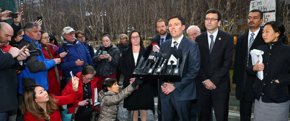 PHOTO: Solicitor General Noah Purcell speaks to the press with Washington state Attorney General Bob Ferguson (R) at a press conference outside U.S. District Court, Western Washington, on Feb. 3, 2017 in Seattle, Washington.