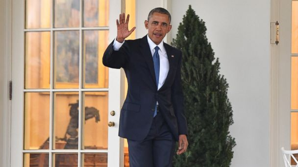 No, Former President Obama Didn't Build a Statue of Himself for the White House