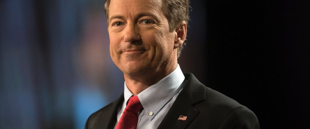 PHOTO: Senator Rand Paul speaks during a rally to formally announce his presidential campaign at the Galt House hotel in Louisville, Kentucky, April 7, 2015.