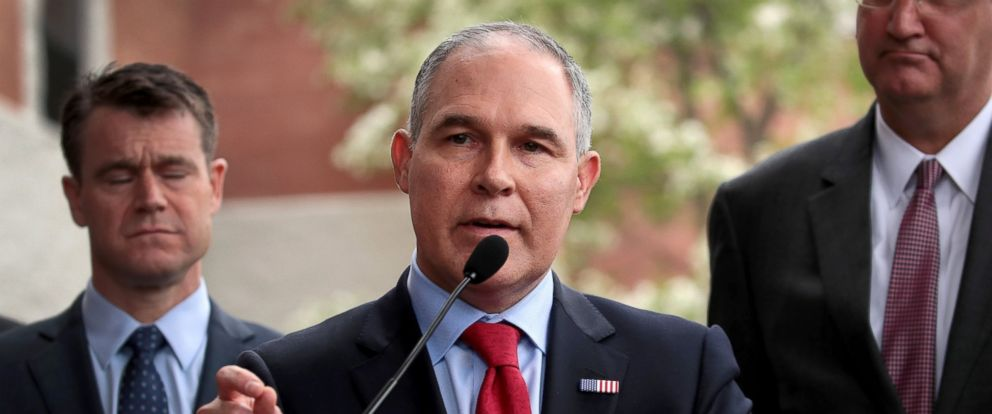 PHOTO: EPA Administrator Scott Pruitt makes a statement to the media after meeting residents from and taking a brief tour of the West Calumet Housing Complex, April 19, 2017, in East Chicago, Indiana.
