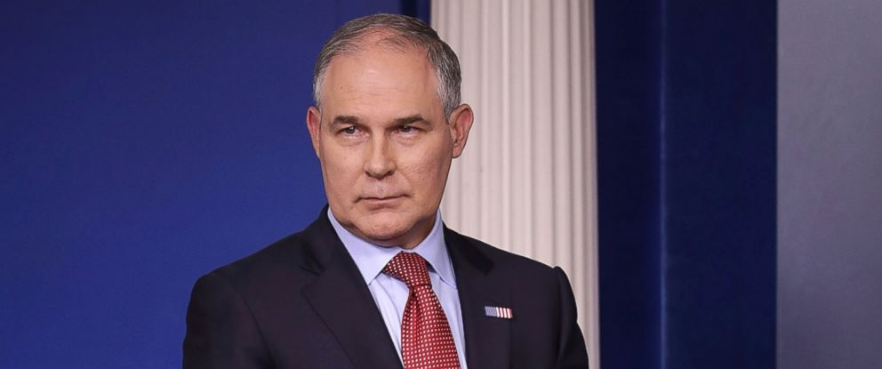 PHOTO: Environmental Protection Agency Administrator Scott Pruitt arrives for a news briefing at the White House, June 2, 2017 in Washington, D.C.