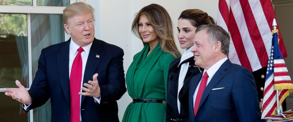 PHOTO: President Donald Trump and first lady Melania Trump welcome Jordans Queen Rania and Jordans King Abdullah II outside the West Wing of the White House, April 5, 2017, in Washington.