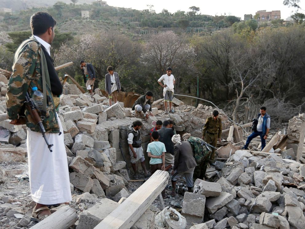 PHOTO: Yemenis search under the rubble of damaged houses following reported Saudi-led coalition air strikes on the outskirts of the Yemeni capital Sanaa, Yemen, Feb. 1, 2017.