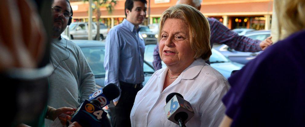 PHOTO: Congress Woman Ileana Ros-Lehtinen attended a meet and greet on Dec. 28, 2015 in Hialeah, Florida.