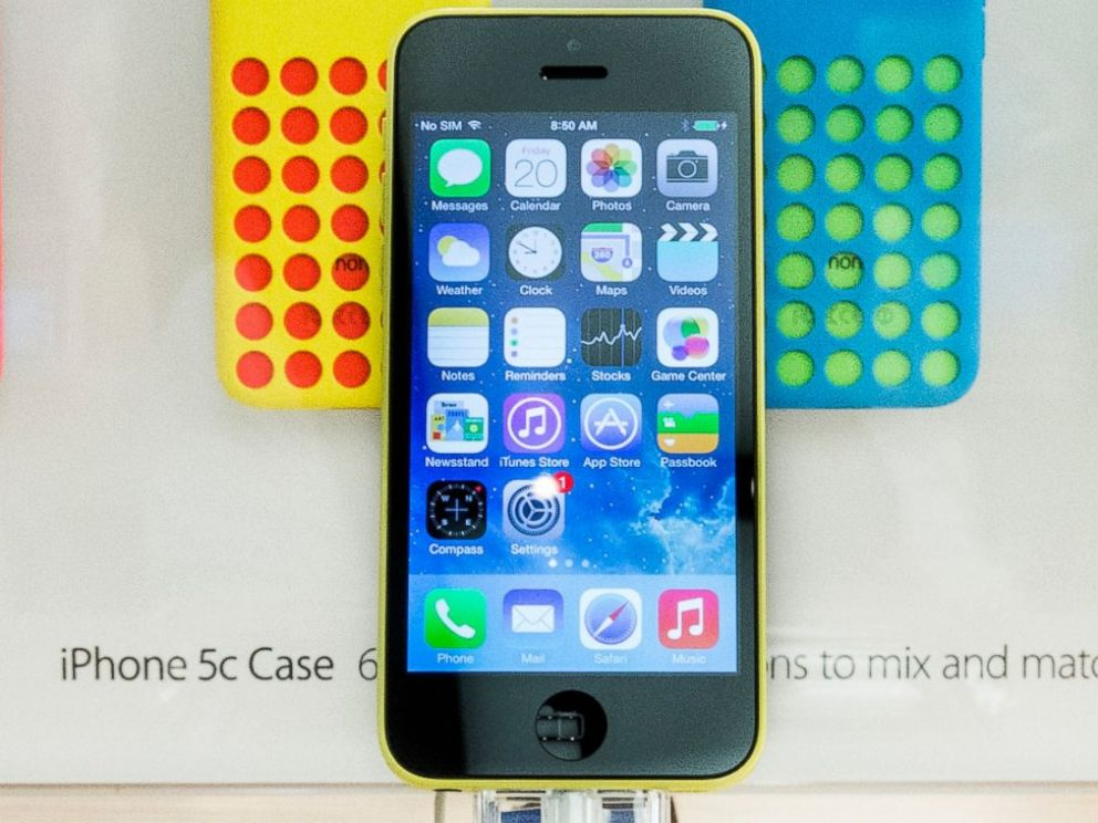 PHOTO:The iPhone 5C is seen on display at the Fifth Avenue Apple store, Sept.20, 2013, in New York.